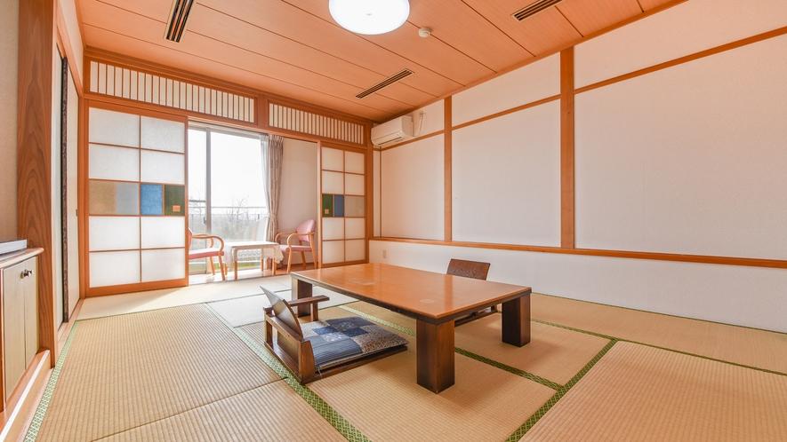 *【和室10畳一例】落ち着いた雰囲気の和室のお部屋。