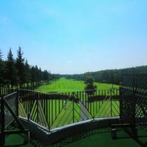 ■和洋室テラスから見るゴルフ場