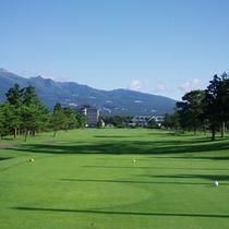 ■ゴルフ場(ホテル正面)