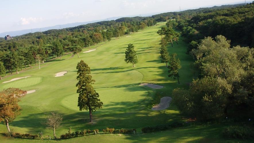 【部屋】ヨーロピアン館から見えるゴルフコース