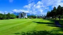 【外観】ゴルフ場からのホテル