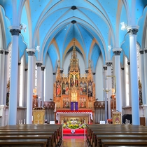 *周辺観光/カトリック元町教会は見学可能です。