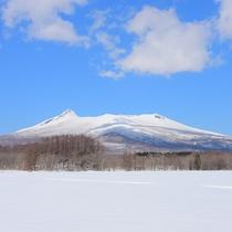 *駒ヶ岳/函館市街からもその美しい稜線が望める、標高1131メートルの活火山です。