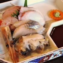 *夕食一例/函館ならではの新鮮な海の幸をご堪能ください。