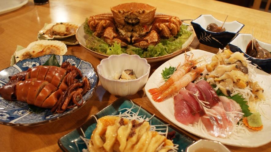 *夕食一例/厳選された地元の海の幸をふんだんに使用したお料理です。