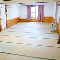 【部屋一例】広々としたお部屋で大人数でもゆったり過ごせます