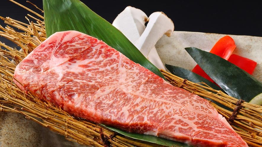 県内一貫生産を特徴とする岩手県産黒毛和牛は、格別な味わいのお肉です。