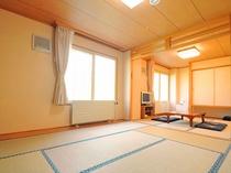 【和室】畳の間でゆったりとおくつろぎください。