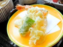 【天ぷら】サクサクの揚げたてをご提供いたします。