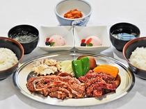 【夕食】みんなでわいわい焼き肉をお楽しみください♪