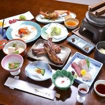 *【お夕食例/全体イメージ】旬の素材を選りすぐってお出しいたします。