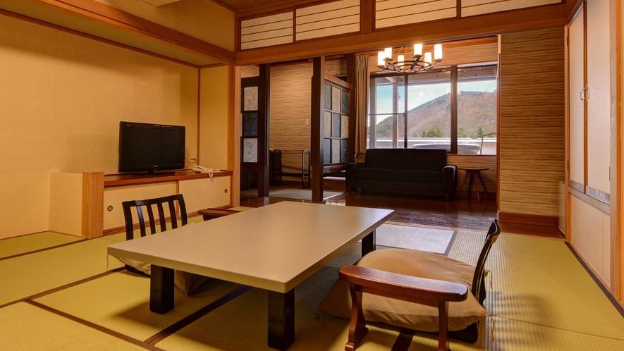*湯峠館・露天風呂付客室「胡蝶」/和室10畳+洋間の60平米の広さ