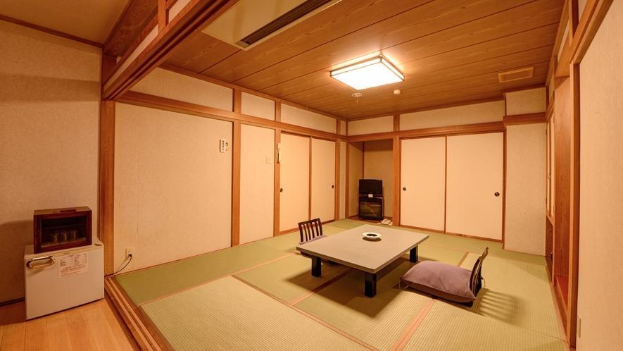 *湯ノ沢館・スタンダードな和室「10畳」/2階にある落ち着いた雰囲気のお部屋です