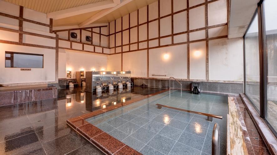 *内風呂(男性)/眺めの良い大浴場は寝湯や半身浴もお楽しめます
