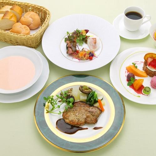 メイン料理1品のライトなディナーコース