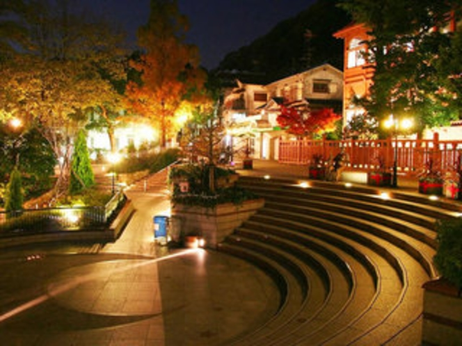 北野公園:横に観光案内所もあり、異人館巡りのガイドマップや観光案内、遊び所や宿泊なども聞けます!