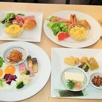 グランドホテル自慢の朝食バイキング♪肉、魚、野菜、デザート各種揃い栄養バランスもOK☆