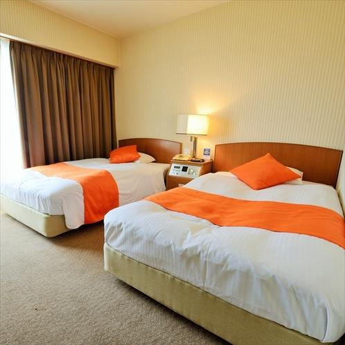 ツインルーム:ご家族、ご友人との楽しい旅からビジネスなど、ご滞在をより充実した空間でお過ごしください