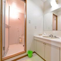 *新館和室8畳(客室一例)