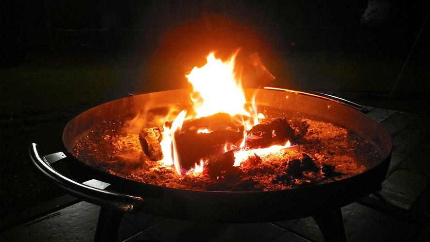 *焚火体験スペース一例/満点の星のもと、炎を囲みながらお酒を愉しむこともできます。
