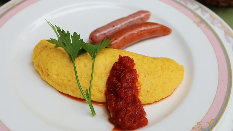 *朝食(一例)シェフ特製のふわふわオムレツは絶品です!