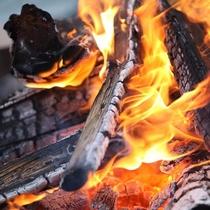 オーベルジュでは焚き火もくつろぐひと時