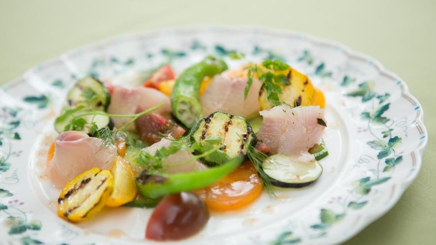 *フレンチ一例/イワナと有機野菜のカルパッチョ