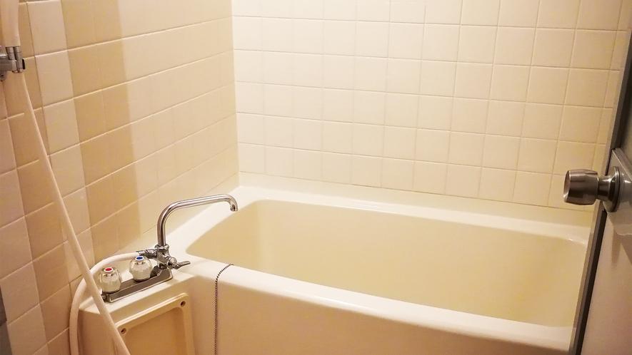 *部屋一例(フォース)/お風呂はバスルーム利用か、お車で5分の温泉(有料)をご案内しています。