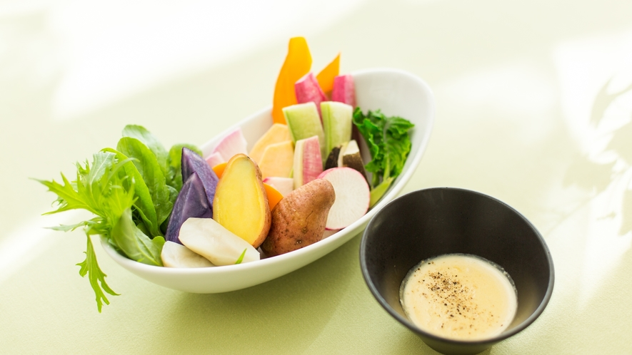 *フレンチ一例/新鮮野菜のサラダ