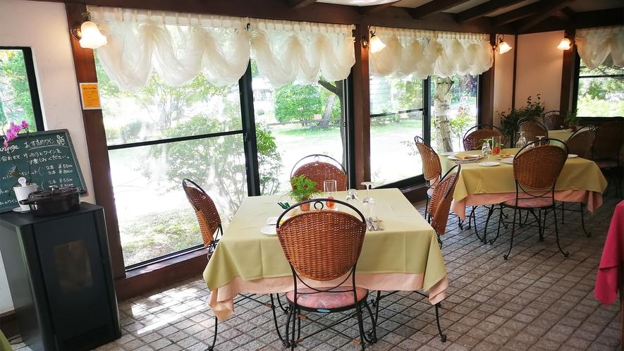 *レストラン/あたたかな雰囲気のカジュアルレストラン「ル・マリアージュ」へようこそ。