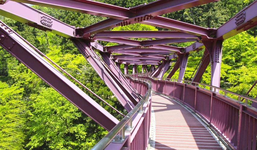 あやとり橋自体もそこから見える景色も写真におさめたくなるはず!