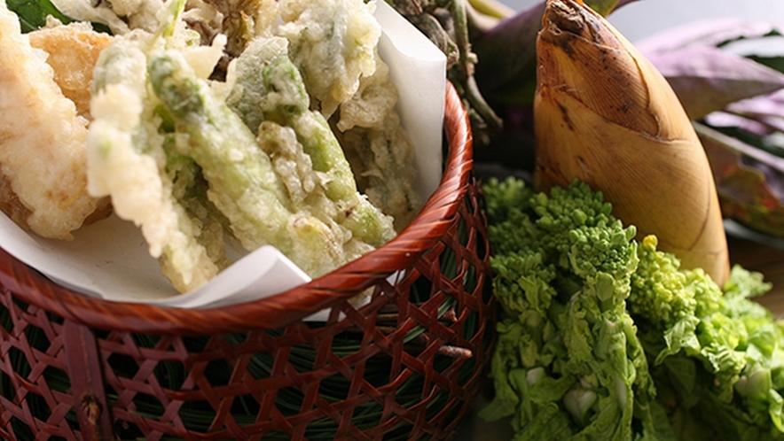 季節の食材を天婦羅でお召し上がりください