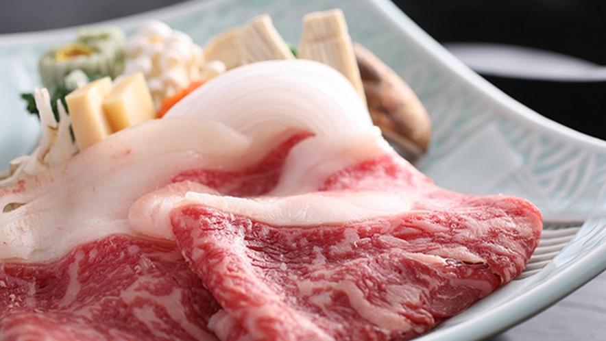 選べるメイン料理プランの中で人気の国産厳選和牛すき焼き