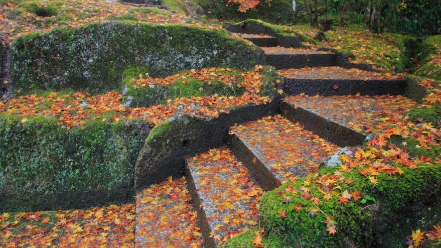 那谷寺 特に秋の紅葉が絶景です!