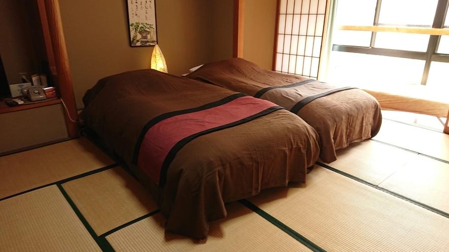 【和ベッド客室】山を眺める静かなお部屋にベッドを新設いたしました