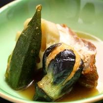 地元の食材を使った♪信州の美味しい創作料理が並びます!(季節の煮物)
