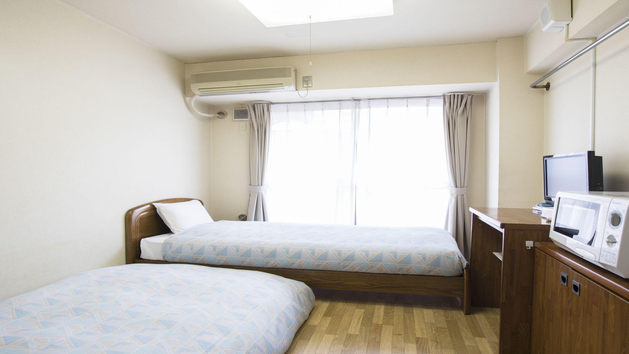 スタジオツイン【15m2/ベッド幅100cm・ソファベッド1台】