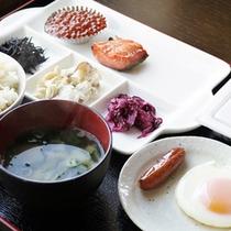 *朝食一例/朝ごはんをしっかり食べて、1日元気に過ごしましょう♪