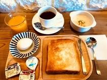 朝食300円