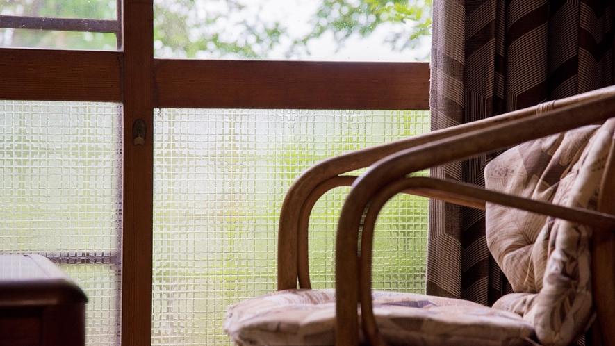 *部屋/部屋から眺められる庭園。