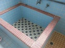 女性用お風呂の湯船
