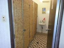 女性用お手洗いの入口