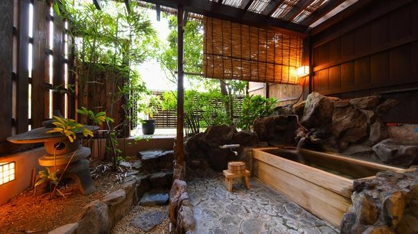 ■禁煙■檜露天風呂と坪庭の付き客室