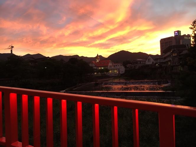 温泉橋からの夕日(2016/7/22)