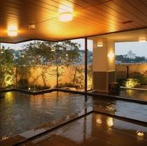 【松風】広さのある内湯で心身伸ばしてリラックスを。
