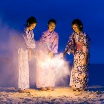 夏は花火を♪白良浜で花火を楽しみませんか?売店で手持ち花火を販売しています。