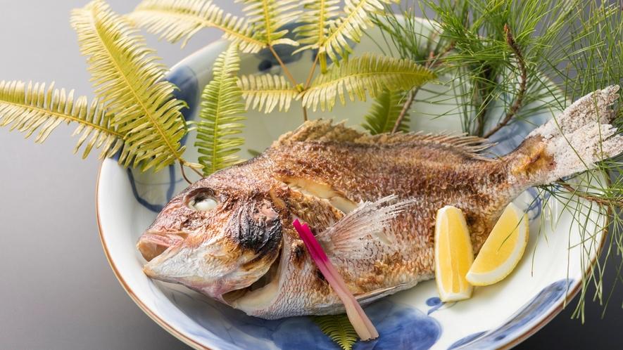 【別注料理一例】鯛塩焼き。記念日におすすめです(お祝いの際は事前にお知らせください)