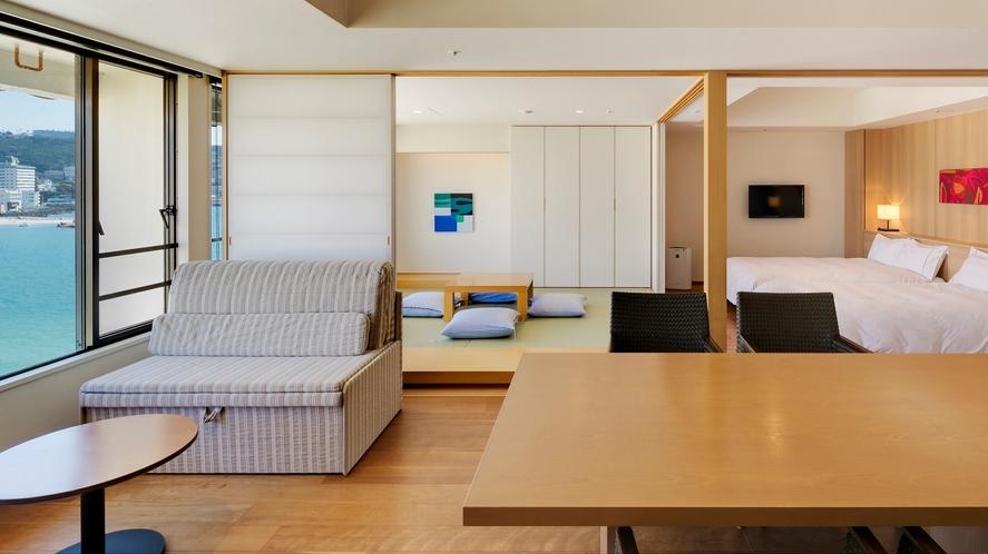【ロイヤルフロア和洋室】(70平米)白良浜を望む最上階。リビング・畳・ツインのお部屋(定員5名)