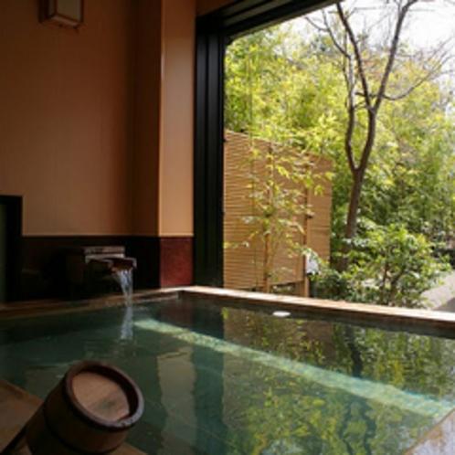 ●貸切風呂 檜の落ち着く貸切露天