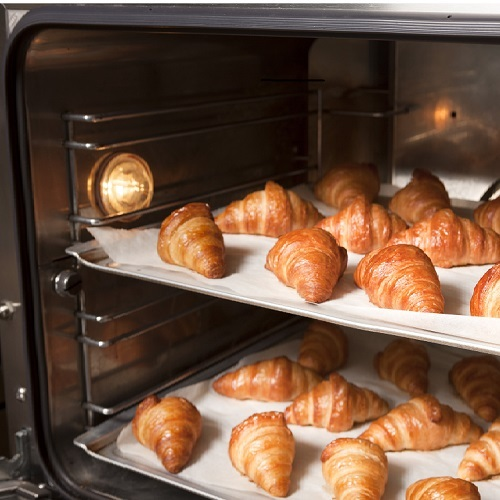 朝食バイキング「焼きたてクロワッサン」